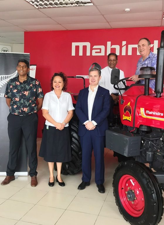 Pictured (L-R): Ritesh Ratiram LF2017 & LF Community Fund Committee Member, Sharyne Fong LF2005 & LF Executive Director, H.E New Zealand High Commissioner Mr Jonathan Curr, Brother Jim Madhavan Principal Montfort Boys Town and William Parkinson Chairperson Leadership Fiji.